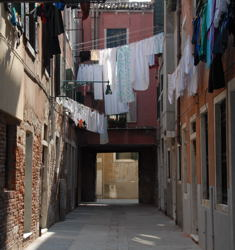 Quick-drying clothes are essential to today's traveler / Clothes Drying in Venetian Alley - (c) 2007 Ted Grellner